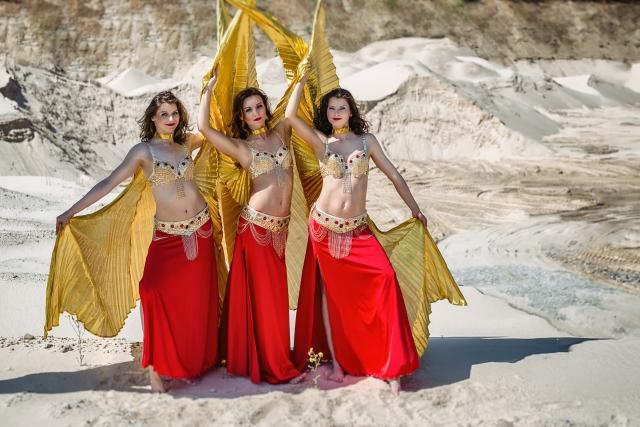 Pilvo šokis su auksiniais sparnais vestuvėms, jubiliejui, gimtadieniui įmonės vakarėliui ar kitai šventei