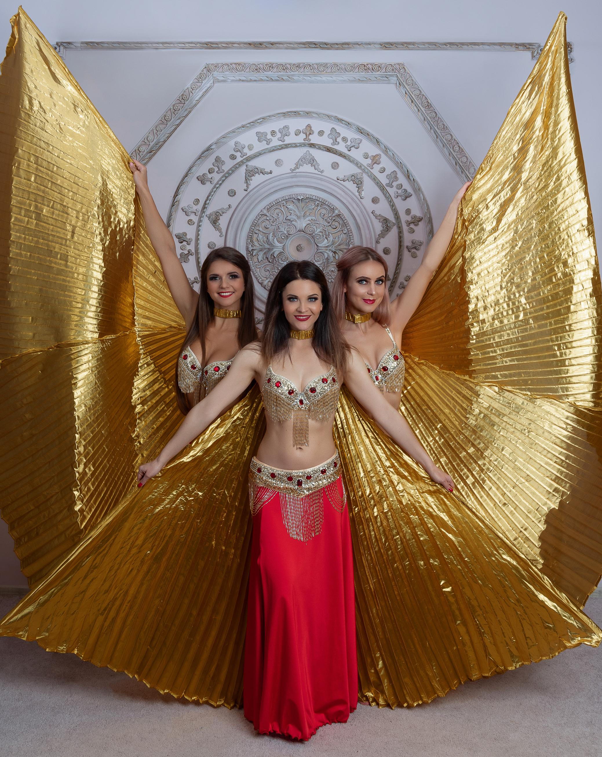 Rytietiškas šokis su auksu tviskančiais sparnais gimtadieniui, įmonės vakarėliui, renginiams, vestuvėms ar kitoms šventėms