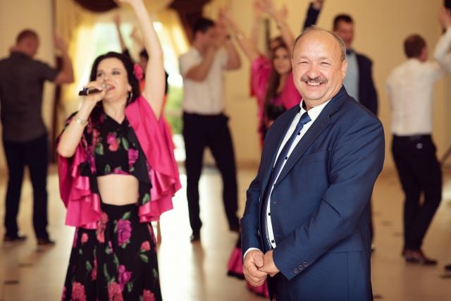 Čigoniškas svečių pašokdinimas jubiliejaus šventėje