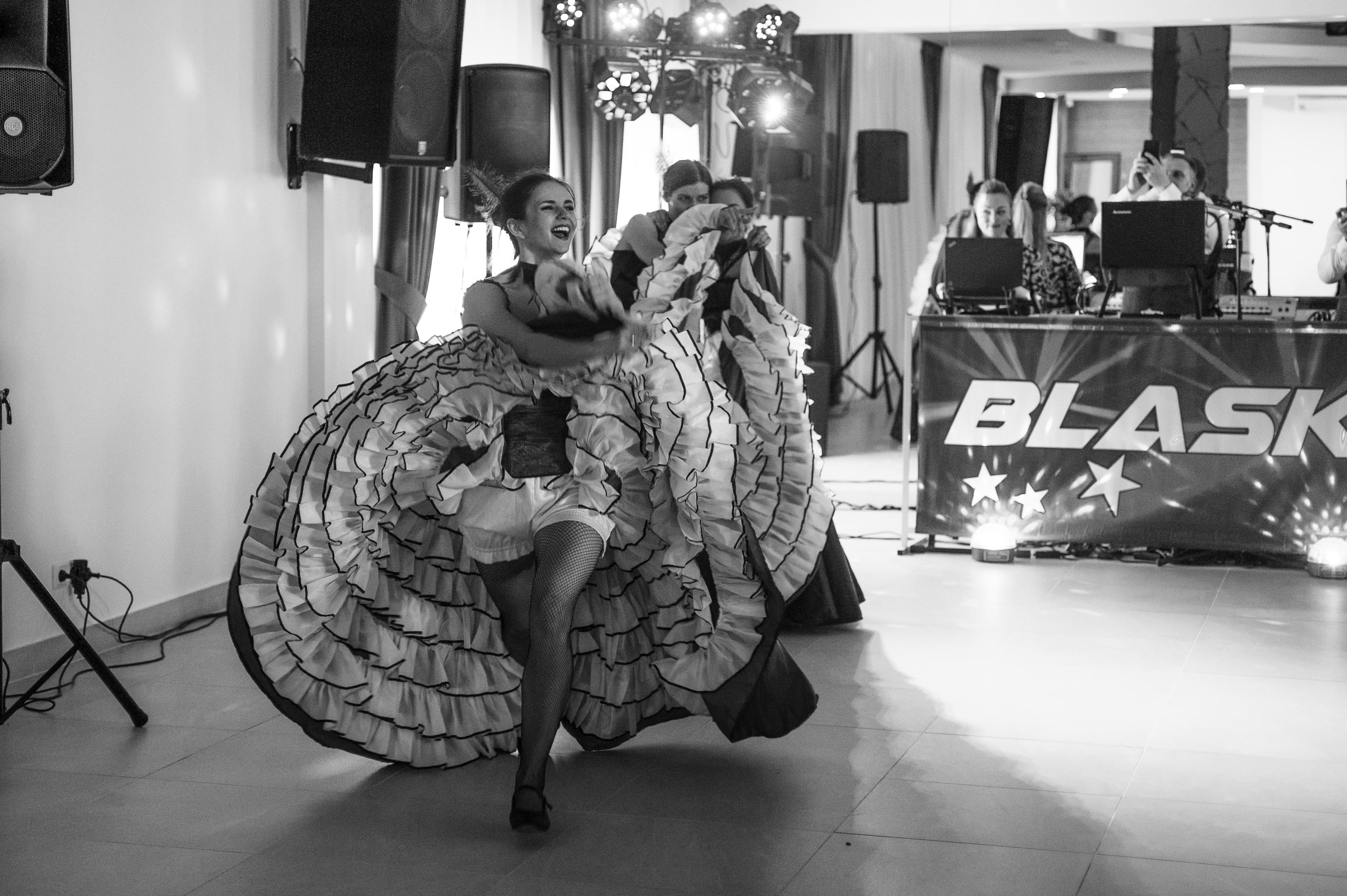 """""""Dolce Vita"""" šokių šou programa vestuvėse: kankanas"""